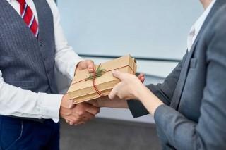 Top 10 món quà đặc biệt dành tặng cho đối tác hoặc sếp của bạn